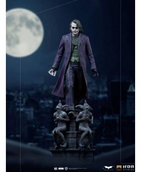 El Caballero oscuro Estatua...