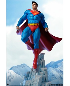 DC Comics: Superman Maquette