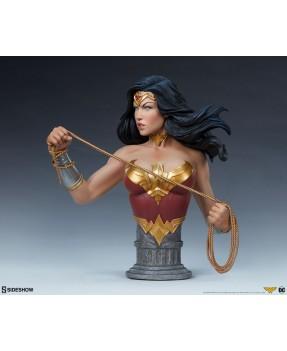 DC COMICS: Wonder Woman 9.5...